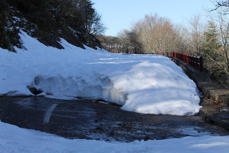 1 mètre de neige sur la route des crêtes, un minimum !