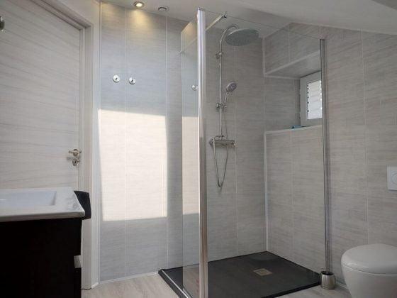 belle douche à l'italienne très pratique