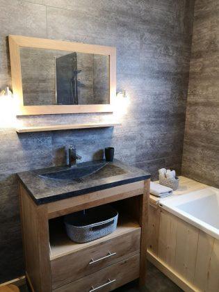 Belle salle de bain tout confort