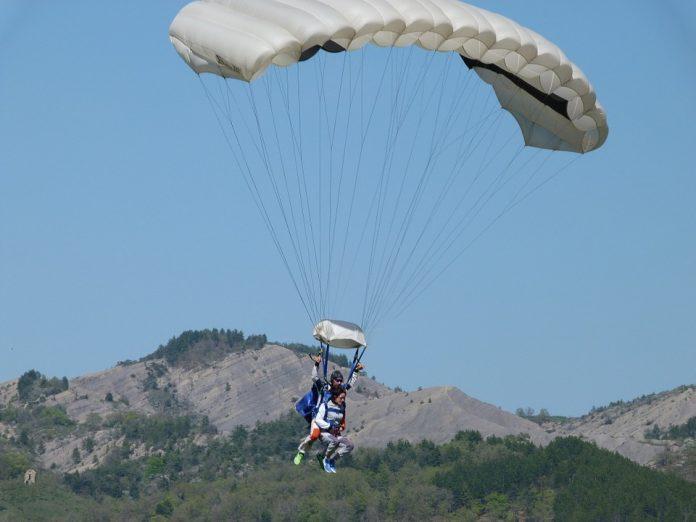 sauter en parachute pour les vacances