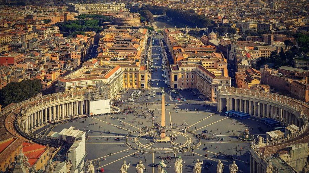place Saint-Pierre cité du Vatican à Rome